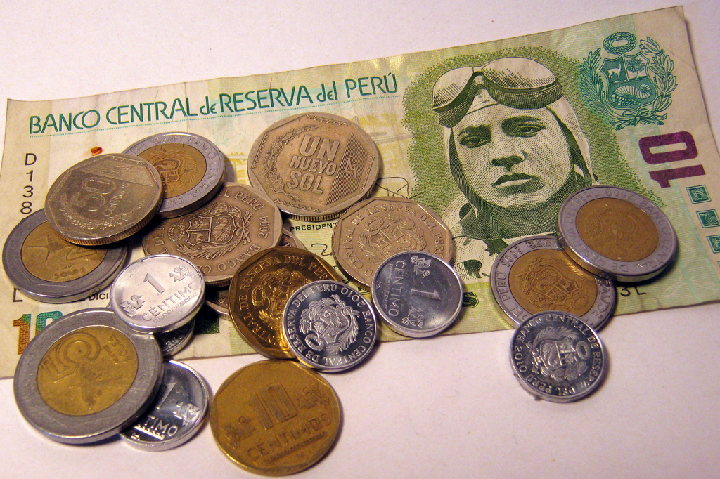 Bills and coins of Peru